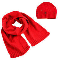 Knitted hat and scarf - red