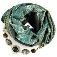 Warm scarf with necklace - green
