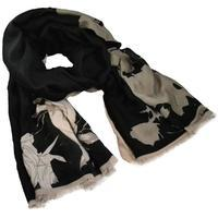 Classic women's scarf - black and grey