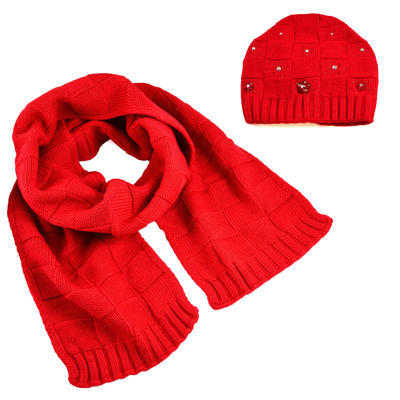 Knitted hat and scarf - red - 1