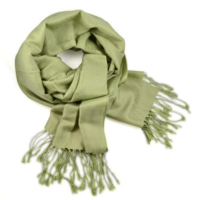 Classic cashmere scarf - light green