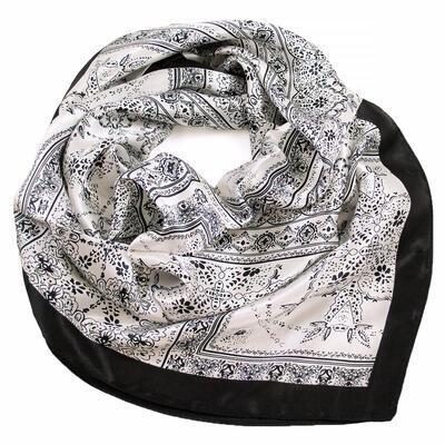 Small neckerchief - white and black - 1