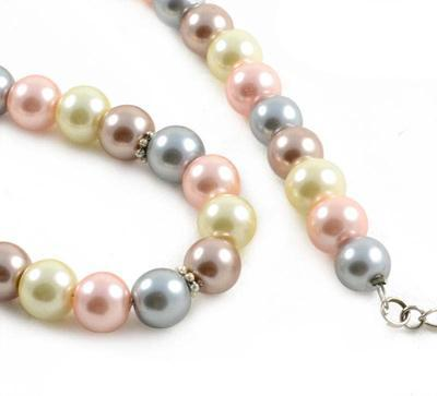 Necklace - Cream tones - 2