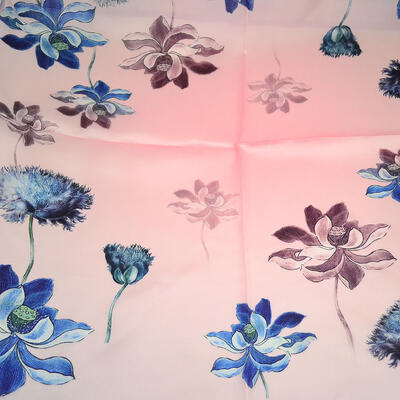 Small square scarf- pink with floral print - 2