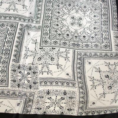 Small neckerchief - white and black - 2