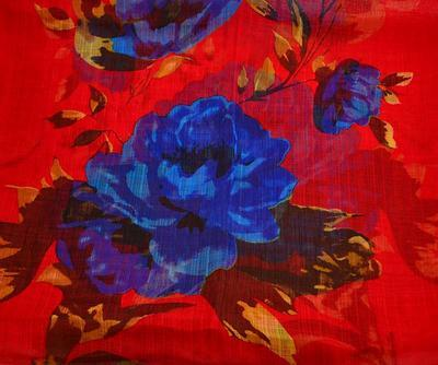 Summer snood 69tl004-20.30a - red with blue flowers - 2
